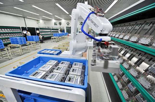 Robotokkal termelő gyár