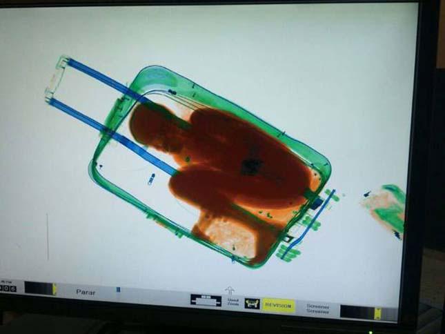 Bőröndben próbáltak átcsempészni egy kisfiút