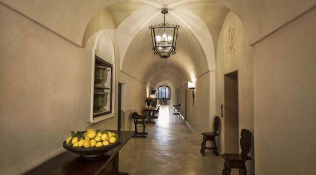 Monastero hotel az Amalfi-parton, Olaszország