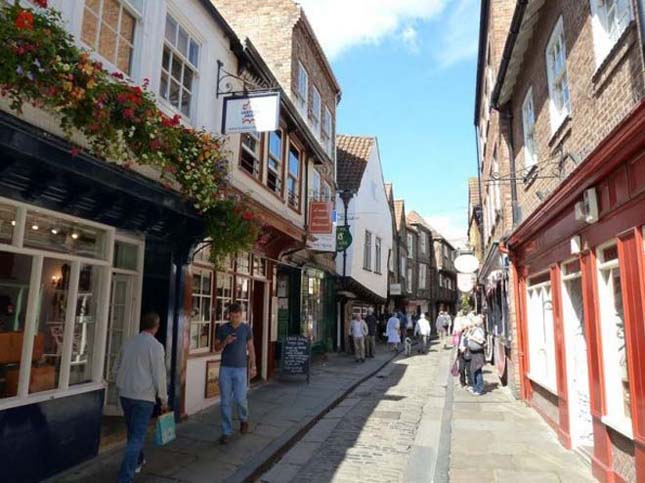 Középkori utca York városában, Anglia legbájosabb utcája