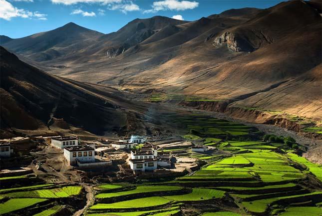 Falucska Tibetben