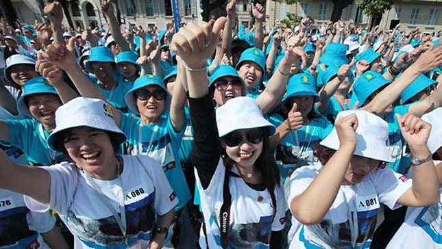 6400 dolgozóját vitte el nyaralni egy kínai milliárdos