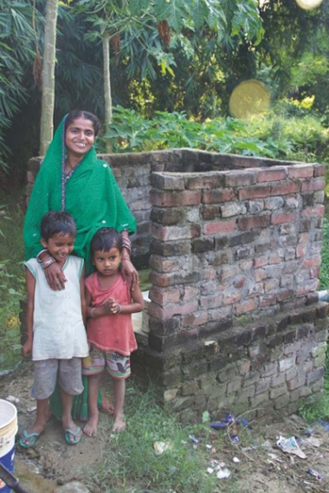 Illemhelyépítésre kapnak pénzt a házaspárok Indiában