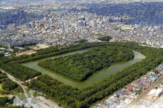 Nintoku császár síremléke