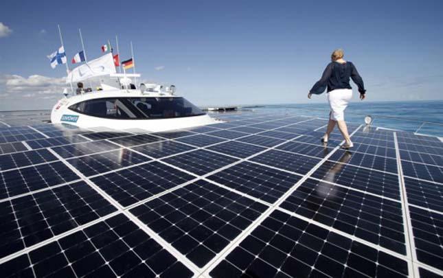 MS Turanor, a világ legnagyobb napenergiával működő hajója