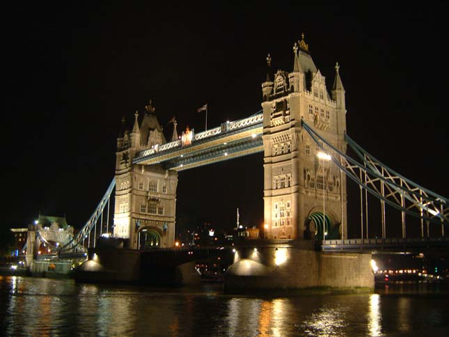 Tower Bridge, Anglia