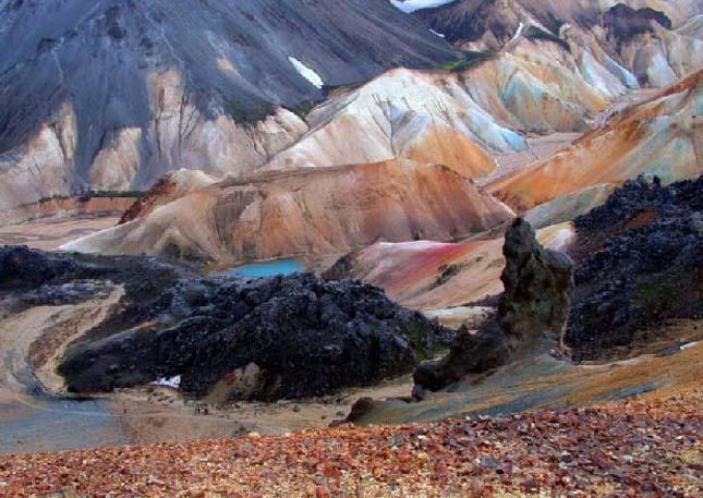 Színes hegyek Izlandon