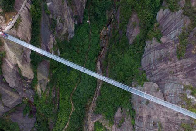 Üvegpadlós híd