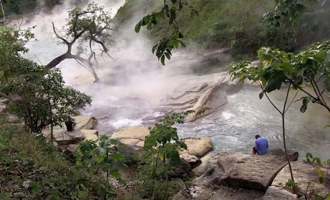 Forrásban lévő folyó