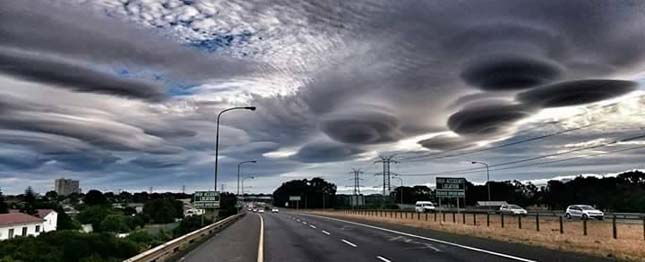 Lentikuláris felhők
