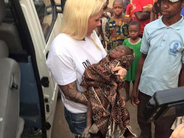 Hónapokig az utcán élt a sorsára hagyott nigériai kisfiú