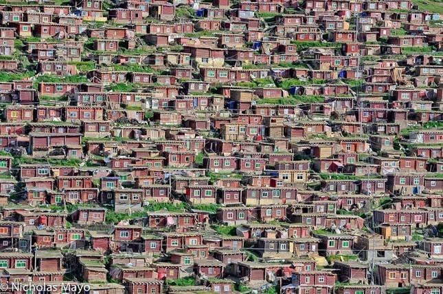 Larung Gar Buddhista Akadémia Tibet