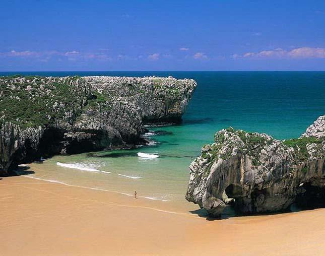 Cuevas del Mar Beach, Spanyolország