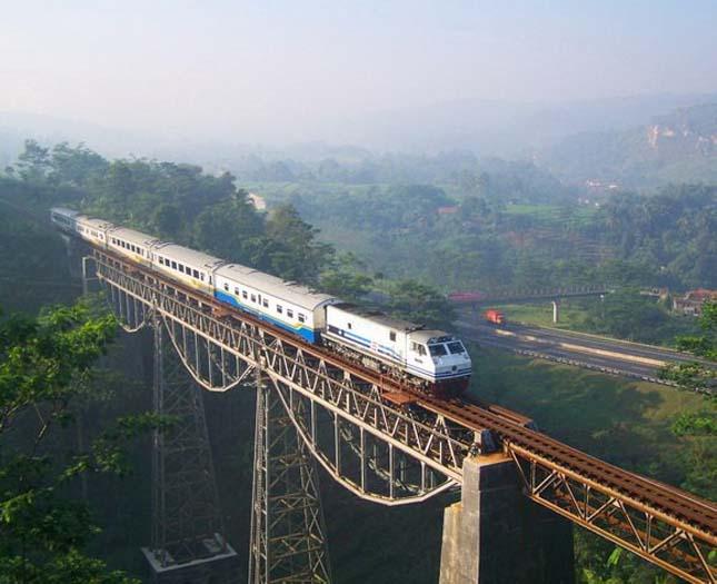 Gerda train Argo (Argo Gede Train Railroad), Indonézia