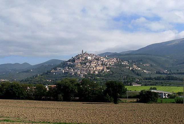 Trevi egy ősi város, Olaszország