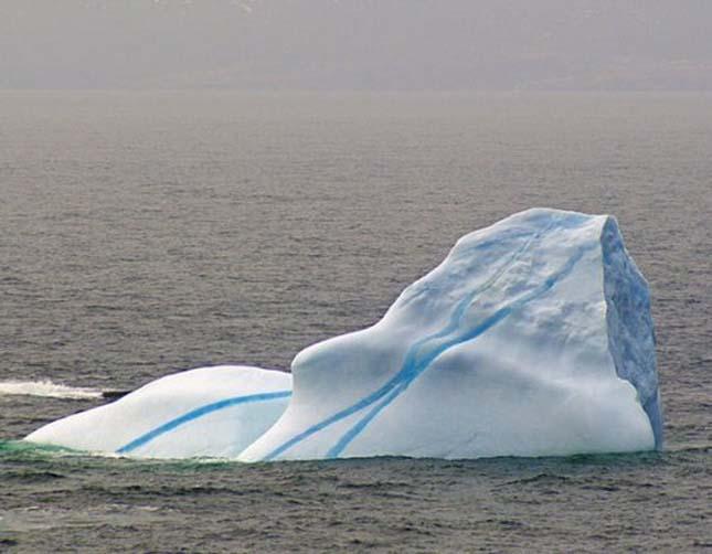 Csíkos jéghegyek, Antarktisz partjainál