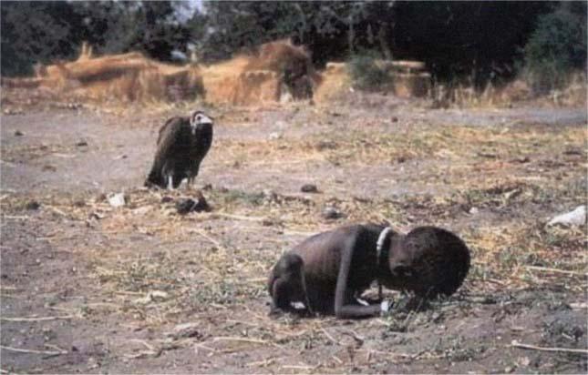 Éhező gyermek és keselyű (Kevin Carte, 1994)