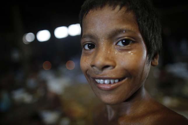 Embertelen körülmények Bangladesben