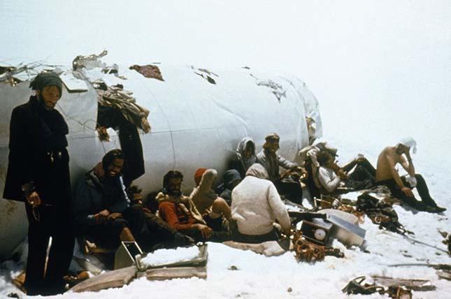Lezuhant az Andokban az uruguayi rögbisek repülőgépe