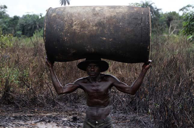 Nyersolaj lopás nigériában