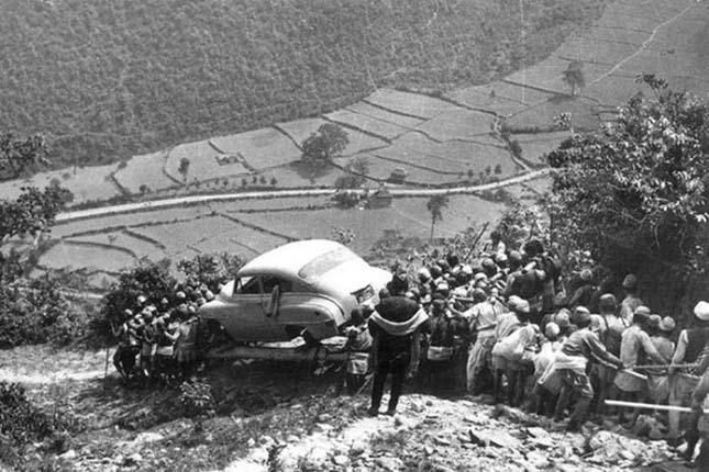 Az első nepáli autó