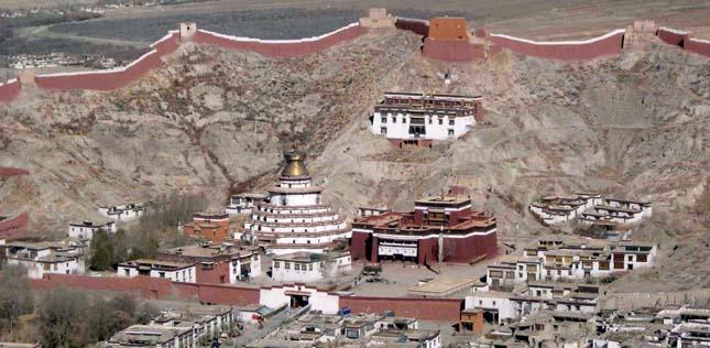 Palkhor Monostor és Kumbum sztúpa