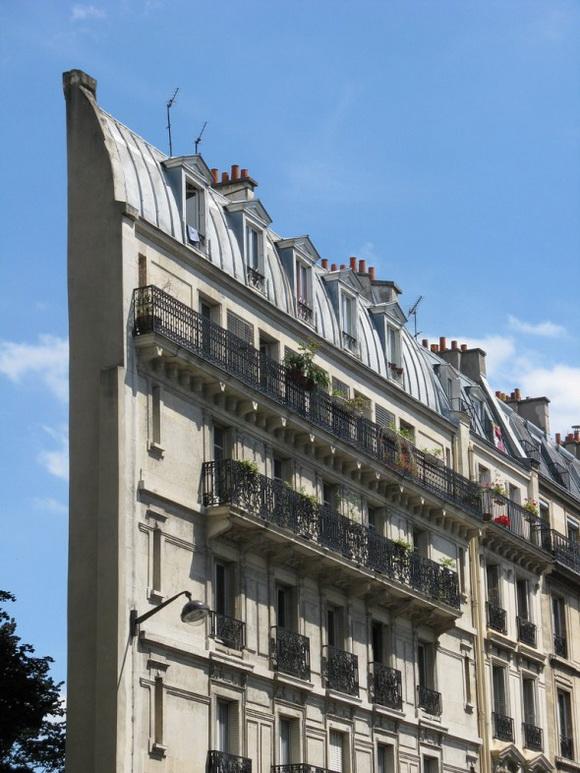 Skinny Haussmann Building,