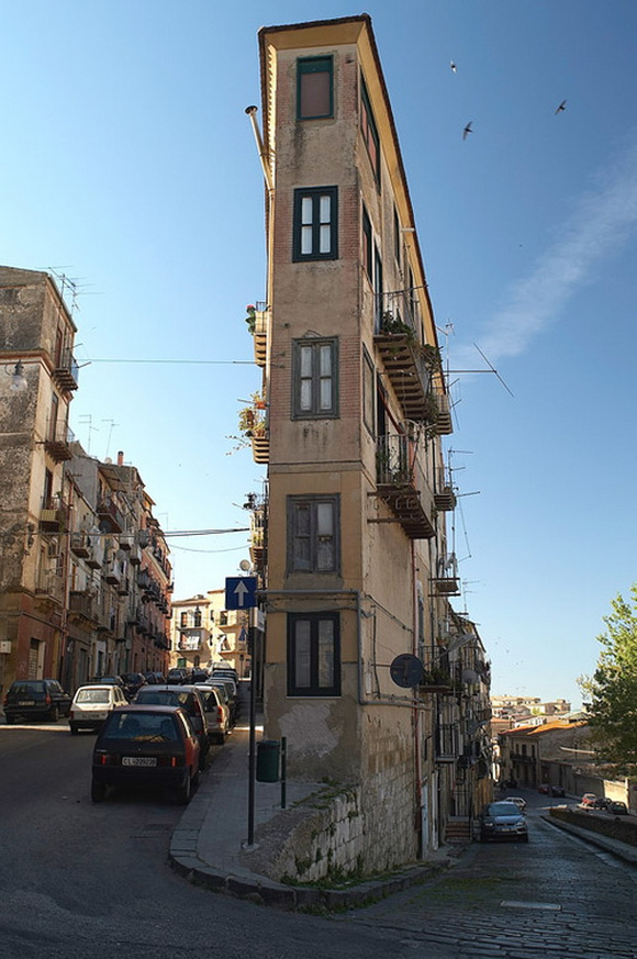 Thin Apartment Building, Italy