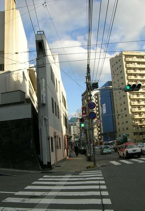 Thin Nagasaki Building, Japan