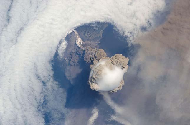 Sarychev Vulkán, Oroszország