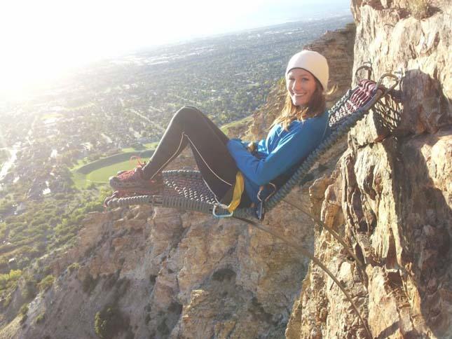Pihenés 110 méter magas sziklafalon