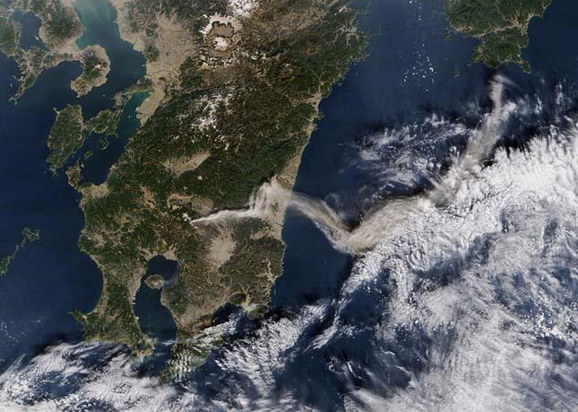 Shinmoe-dake Vulkán, Japán