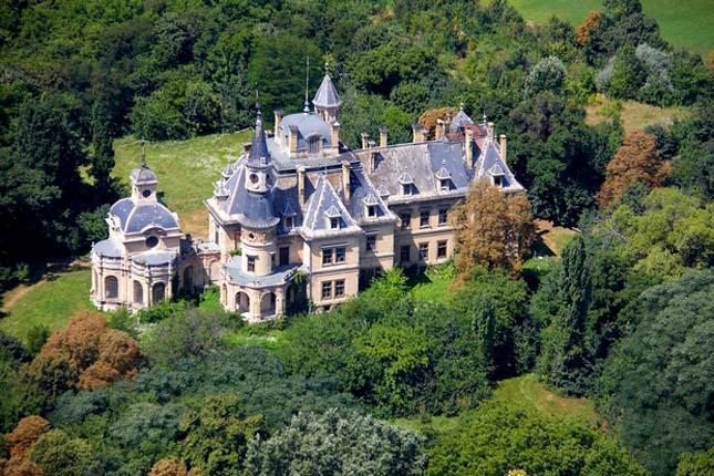 Schossberger-kastély, Tura