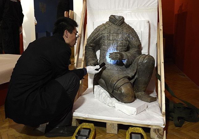 Megérkezett Az ősi Kína kincsei című kiállítás anyaga az
